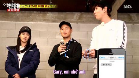 Running Man: Say xin nhan nham may, Ji Hyo de lo tin nhan tinh cam danh cho Gary - Anh 5