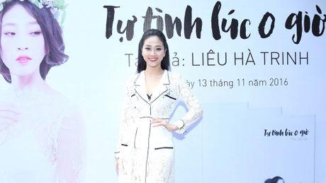 MC Lieu Ha Trinh tranh thu ra mat sach truoc dem chung ket 'En vang' - Anh 1
