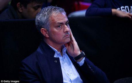 Nghi van Jose Mourinho muon dua Pique ve MU - Anh 8