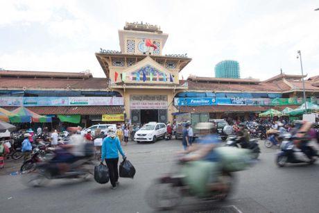 Tieu thuong Sai Gon hoi ha don hang truoc ngay dong cua cho Binh Tay - Anh 1