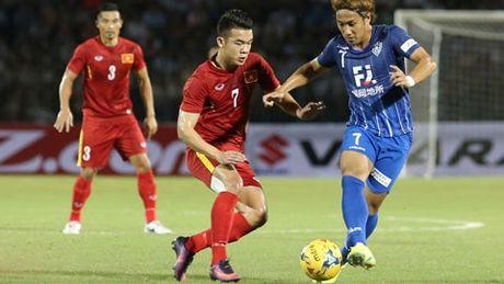 Van Toan, Hoang Thinh se sang Nhat thi dau sau AFF Cup 2016? - Anh 1