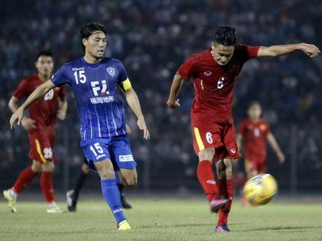 Tuyen Viet Nam gut danh sach: 'Nuoc mat dan ong' - Anh 1