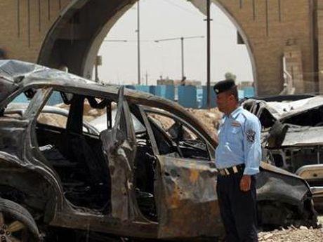 Danh bom lieu chet o Iraq, 14 nguoi thuong vong - Anh 1