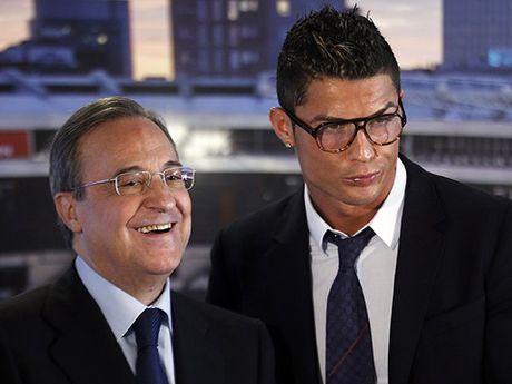Cristiano Ronaldo co the bi phat vi deo kinh... SAI LUAT - Anh 2