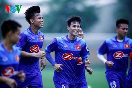 DT Viet Nam chot danh sach di Myanmar: Co dong va da nang o AFF Cup - Anh 2