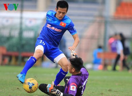 Chum anh: 25 tuyen thu Viet Nam du AFF Cup 2016 - Anh 24