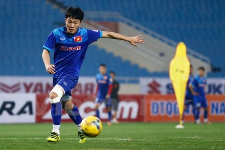 Luong Xuan Truong duoc tiep 'doping' truoc them AFF Cup - Anh 1