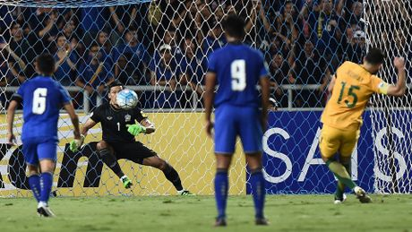 Thai Lan gay soc truoc Australia, san sang cho AFF Cup 2016 - Anh 2
