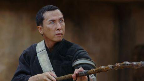 Bat ngo voi vai hiep si mu cua Chan Tu Dan trong bom tan Star War - Anh 5