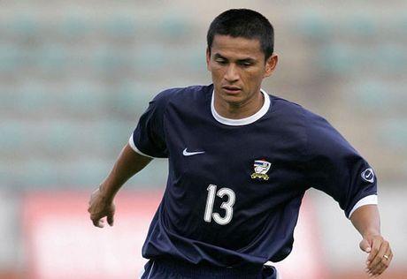 Diem danh nhung chan sut vi dai nhat trong lich su AFF Cup - Anh 7