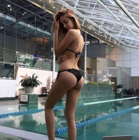 Viktoria Varga - sieu mau Hungary mang bikini khoe than nong bong - Anh 8