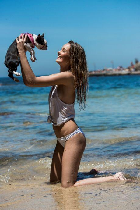 Viktoria Varga - sieu mau Hungary mang bikini khoe than nong bong - Anh 9
