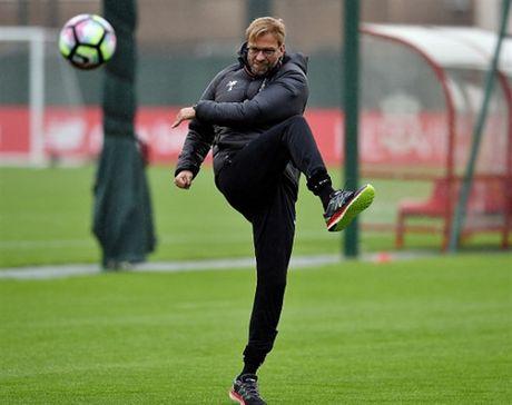 Vang cac hoc tro, Klopp 'tung hoanh' tren san tap cua Liverpool - Anh 5