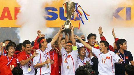 Thay gi tu danh sach tuyen Viet Nam du AFF Cup 2016? - Anh 2