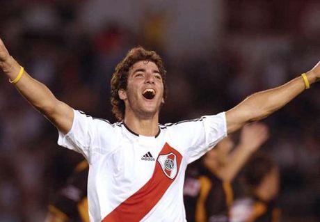 Gonzalo Higuain - ngay sinh ra, anh da rat dac biet - Anh 1