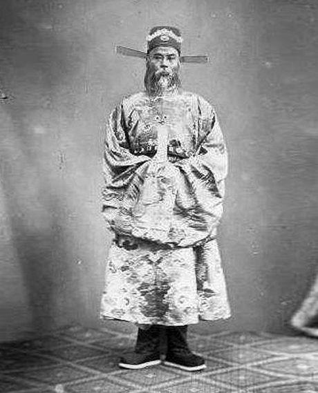 Dong ho duoc Vua phong 4 chu vang 'My tuc kha phong' - Anh 2