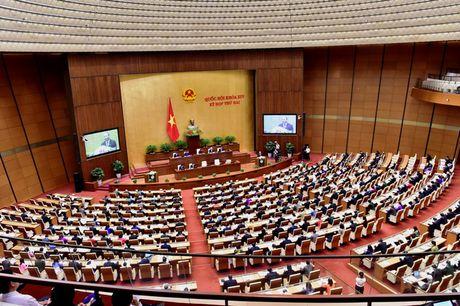 Sang mai (16/11), Bo truong Bo GD&DT Phung Xuan Nha tra loi chat van cua dai bieu Quoc hoi - Anh 1