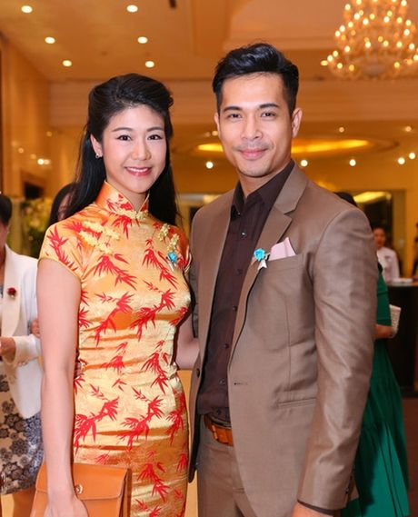 Duong tinh tuong em dep cua Truong The Vinh va ban gai co truong - Anh 4