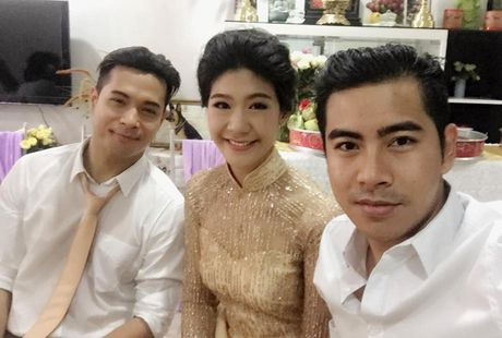 Duong tinh tuong em dep cua Truong The Vinh va ban gai co truong - Anh 5