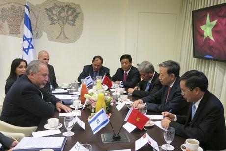 Bo truong To Lam tham va lam viec tai Israel - Anh 3