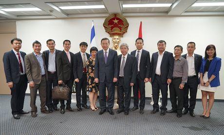 Bo truong To Lam tham va lam viec tai Israel - Anh 4