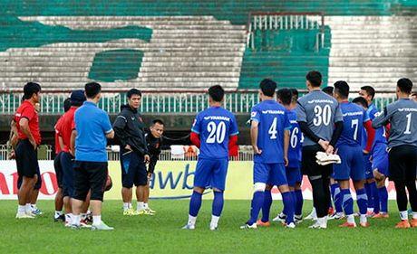 DT Viet Nam tap tren san day chim hot veo von o Myanmar - Anh 1