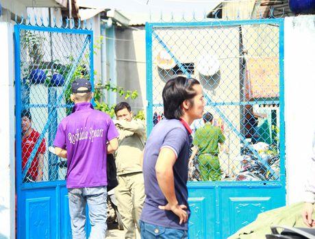 TP Ho Chi Minh: Mot nguoi ban ve so chet trong tu the treo co - Anh 1