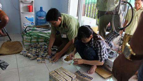 Chong buon lau phai co ban tay sach - Anh 1