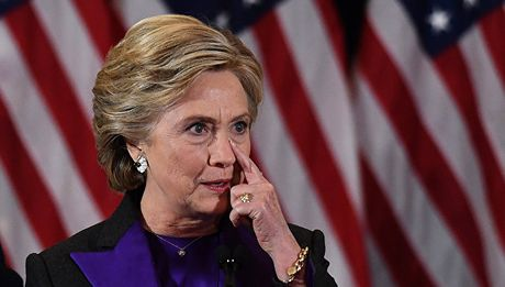 Ba Clinton chinh thuc vuot ty phu Trump so phieu cu tri - Anh 1