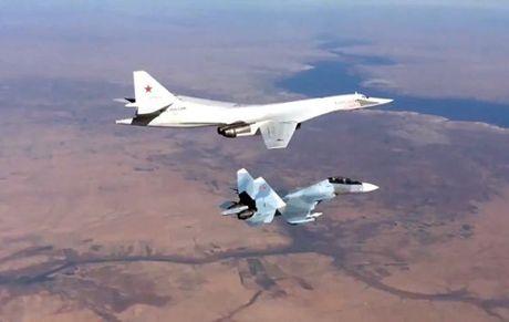 Nga bat ngo gan ten lua hanh trinh tren oanh tac co Tu-160, Tu-95 - Anh 1