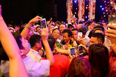 Che Linh thay minh...nam tinh hon khi dung canh Ky Duyen - Anh 1