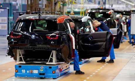 BMW han che dung soi carbon de bao toan loi nhuan - Anh 1