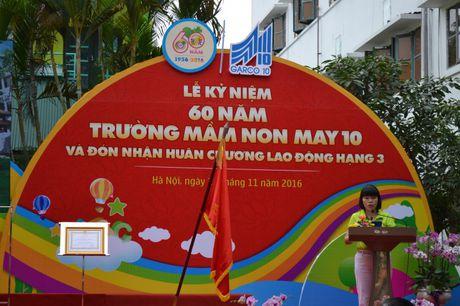 Truong Mam non May 10 duoc tang Huan chuong Lao dong Hang Ba - Anh 2