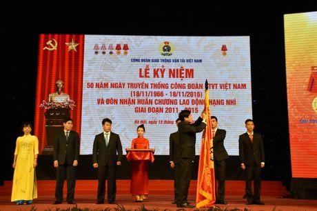 Cong doan GTVT Viet Nam don nhan Huan chuong Lao dong Hang Nhi - Anh 1