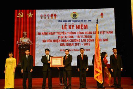 Cong doan GTVT Viet Nam don nhan Huan chuong Lao dong Hang Nhi - Anh 3