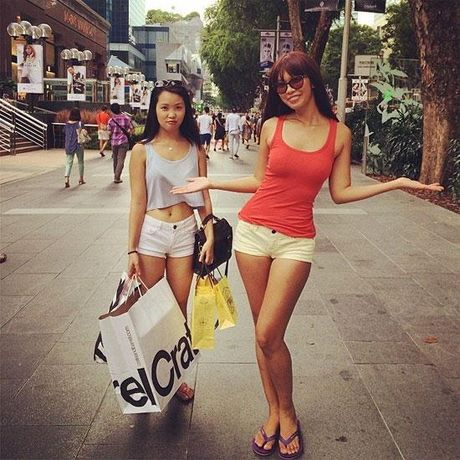 Ha Anh nong bong 'chet nguoi' con em gai cung sexy khong kem - Anh 4