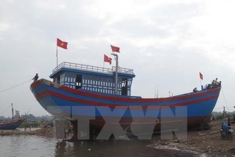 Hai Phong ban giao 4 tau ca dong theo Nghi dinh 67/2014/ND-CP - Anh 1