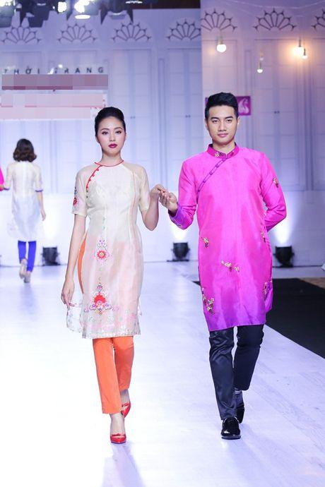 Ngoc Loan - Bao Ngoc: Dien ao dai thuot tha 'chat chem' vedette Le Hang - Anh 1