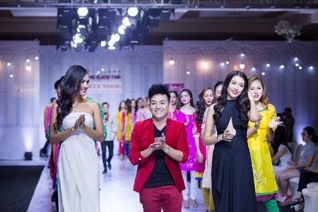 Ngoc Loan - Bao Ngoc: Dien ao dai thuot tha 'chat chem' vedette Le Hang - Anh 4