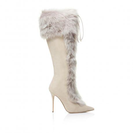 Rihanna tiep tuc 'bat tay' Manolo Blahnik tung BST Boots cho mua mot nay - Anh 4