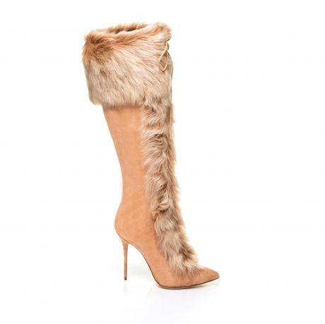 Rihanna tiep tuc 'bat tay' Manolo Blahnik tung BST Boots cho mua mot nay - Anh 5