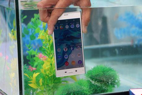 Nhieu mau smartphone giam gia 3 trieu dong - Anh 2