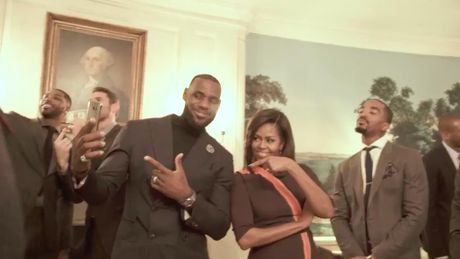 De nhat phu nhan Michelle Obama va Hillary Clinton lam nong 'thu thach nguoi tuong' - Anh 1