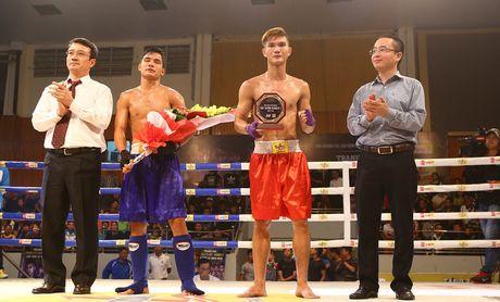 Khan gia hao hung voi tran chung ket boxing tai Ha Noi - Anh 1