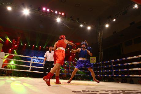 Khan gia hao hung voi tran chung ket boxing tai Ha Noi - Anh 2