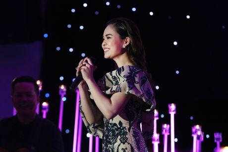 Ho Ngoc Ha dien hang hieu den xem dem nhac Giang Hong Ngoc - Anh 4