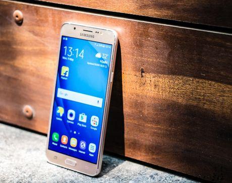 Samsung Galaxy A9 ve gia duoi 7 trieu dong tai Viet Nam - Anh 4