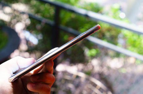 Galaxy S7 edge - 'ki quan' cua the gioi cong nghe - Anh 2