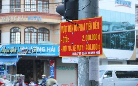 Da Nang 'bao gia' muc phat tren duong canh bao tai xe - Anh 2