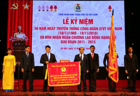 Cong doan GTVT VN don nhan Huan chuong Lao dong hang Nhi - Anh 2